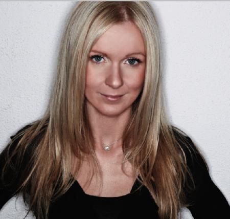 Lisa Ostrikoff | @ImLisaO